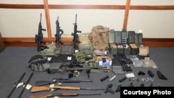 Arme confiscate de la Hansson prezentate de poliția americană