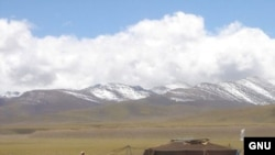 "Лагерь кочевников. Недалеко от озера Намцо. Тибет. 2005 год. <a href = ""http://en.wikipedia.org/wiki/Image:Nomads_near_Namtso.jpg"" target=_blank>GNU Free Documentation</a>."