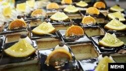 دکتر عجمی با تاکید بر اینکه استفاده از شربت ذرت، از اقلام پایه کنونی در رشته شیرینیپزی است، میگوید باید اقدامی در مورد اصلاح این روش در ایران صورت گیرد.