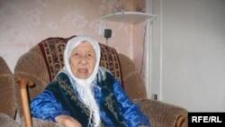 Сахан Досова в день своего 130-летия. Караганда, 27 марта 2009 года.