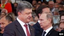 A face-to-face meeting is possible between Ukrainian President Petro Poroshenko (left) and Russian President Vladimir Putin (right) at this week's Milan summit.
