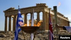 Олимпийский огонь в Греции