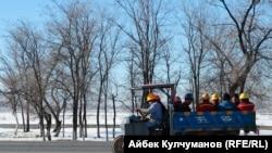 """""""Жунда"""" заводунун жумушчулары"""