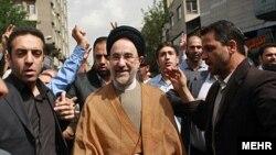 محمد خاتمی رییس جمهور پیشین ایران در جمع تظاهر کنندگان روز قدس در تهران.