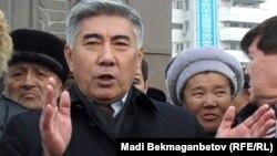 ЖСДП төрағасы Жармахан Тұяқбай. Алматы, 17 желтоқсан 2010 жыл.