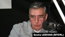 Политолог Георгий Хуцишвили считает изменения в законе вполне обоснованными, а реакция оппозиции вызвана только тем, что они пытаются подорвать любой процесс, начатый новым руководством Грузии
