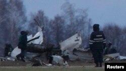 Қазан әуежайындағы апат орнындағы ұшақ қалдығы. 18 қараша, 2013 жыл.
