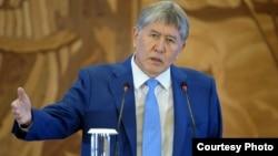 Алмазбек Атамбаев, Қырғызстан президенті.
