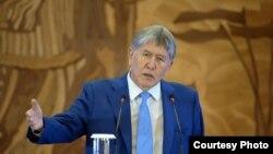 Қырғызстанның экс-президенті Алмазбек Атамбаев.