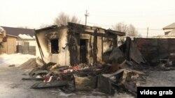 Сгоревшая времянка в микрорайоне Коктал-1, в которой погибли пять сестер, Астана, 4 февраля 2019 года.
