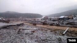 Ռուսաստան - Սեյբա գետի ջրամբարտակի փլուզումն ավերել է Շետինկինո գյուղը, Կրասնոյարսկի մարզ, 19-ը հոկտեմբերի, 2019թ.