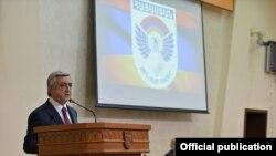 Президент Армении, верховный главнокомандующий вооруженными силами Президент Армении Серж Саргсян выступает на открытии оперативных сборов руководящего состава ВС Армении, Ереван, 21 марта 2016 г.