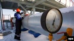 """Газоизмерительная станция компании """"Газпром"""" в Курской области, на границе между Россией и Украиной"""