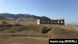 Недостроенная мечеть у Меганома