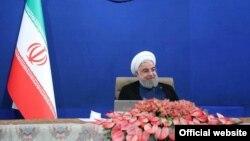 حسن روحانی واگذاری جزایر جنوب ایران به چین را نیز «شایعهسازی دشمن» خوانده است.