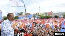 Erdogan na predizbornom skupu 2011.