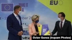 Președintele CE, Ursula von der Leyen, s-a aflat, luni, la București cu prilejul aprobării Planului prin care UE acordă României aproape 30 de miliarde de euro. Banii sprijină reforme și investiții în domenii în care România se află încă în urma majorității țărilor europene.
