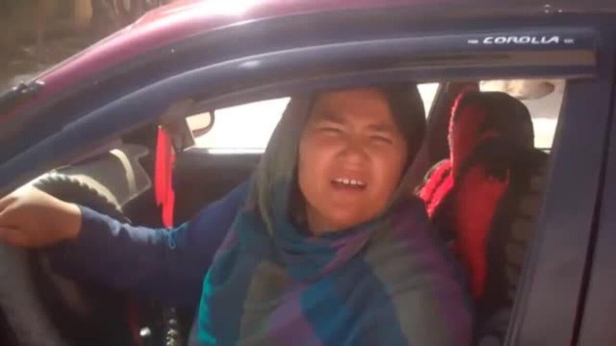 سارا بهاوی نخستین تکسی ران زن در افغانستان