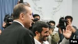 Ərdoğanın İran prezidenti ilə görüşü. Tehran, 3 dekabr 2006.