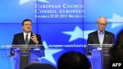 Herman Van Rompuy (djathtas) dhe Jose Manuel Barroso