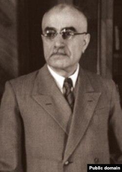 عباس میلانی میگوید که باقروف آدمی بسیار جزماندیش، مستبد و فرصتطلب بود.