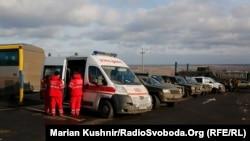 Украинская сторона в ожидании обмена пленными, КПВВ «Майорское», 27 декабря 2017 год