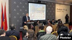 Armenia - Leaders of the Armenian Revolutionary Federation present the party's electoral manifesto in Yerevan, 9Apr2012.
