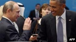 """Владимир Путин и Барак Обама на недавней встрече """"Большой двадцатки"""" в Анталье"""