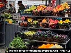 Частина фруктів і овочів потрапить у смітник