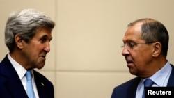 Госсекретарь США Джон Керри и глава МИД РФ Сергей Лавров