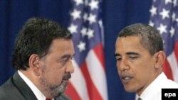 Раисҷумҳури мунтахаби Амрико Барак Обама ва вазири тиҷорат дар ҳукумати нав Бил Ридчардсон
