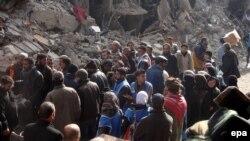 Палестинские беженцы в лагере Ярмук, Дамаск, 1 апреля 2015 года.