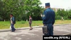 Сотрудник узбекской милиции, архивное фото.