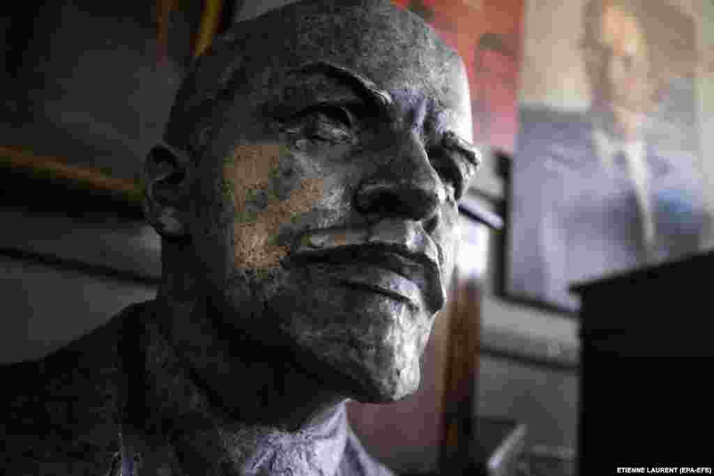A bust of Vladimir Lenin, founder of the Soviet Union