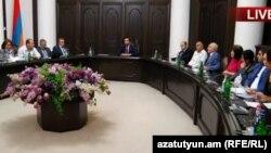 Обсуждение в правительстве Армении, Ереван, 9 октября 2018 г.