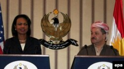 بارزانی(راست) خواهان حمایت آمریکا برای تقویت کردهای شمال عراق است.