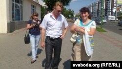 Ігар Маслоўскі ў часе збору подпісаў за вылучэньне кандыдатам