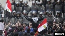 Каир, столкновения полиции и демонстрантов