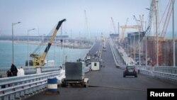 Строящийся Керченский мост, апрель 2018 года