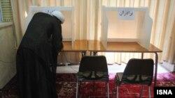 Голосование во втором туре парламентских выборов в Иране