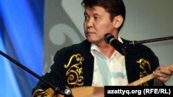 Бауыржан Халиолла, айтыскер ақын. Алматы, 11 ақпан 2012 жыл.