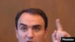 Заявление об отставке Артура Багдасаряна эксперты связывают с началом предвыборной гонки