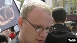 """""""Kommersant"""" correspondent Oleg Kashin was brutally beaten in Moscow on November 6."""
