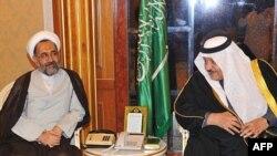حیدر مصلحی، وزیر اطلاعات ایران در دیدار با ولیعهد عربستان در ریاض.