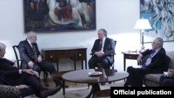 Արտգործնախարար Էդվարդ Նալբանդյանը Մինսկի խմբի համանախագահների հետ հանդիպման ժամանակ Երևան, հոկտեմբերի 16-ը, 2014թ․