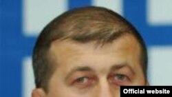 Дзамболат Тедеев – один из самых популярных людей в республике. Считается, что именно он с братом Ибрагимом в свое время привел Кокойты к власти