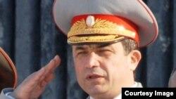 Абдухалим Назарзода Тәжікстан қорғаныс министрінің орынбасары болып тұрған кезінде.