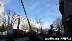 Кампания по вырубке деревьев в узбекской столице. Ташкент, 26 января 2016 года.