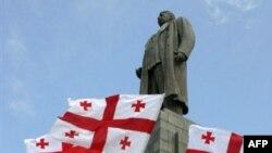 Памятник Иосифу Сталину - свидетель боевых действий в грузинском Гори