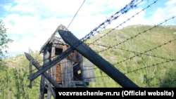 Вышка в колымском лагере, наши дни (фото издательства «Возвращение»)